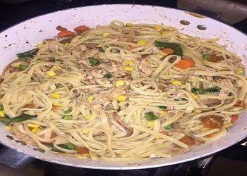 noodles with shredded pork and vegetables
