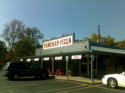 Parkway Pizza restaurant located in EVANSVILLE, IN